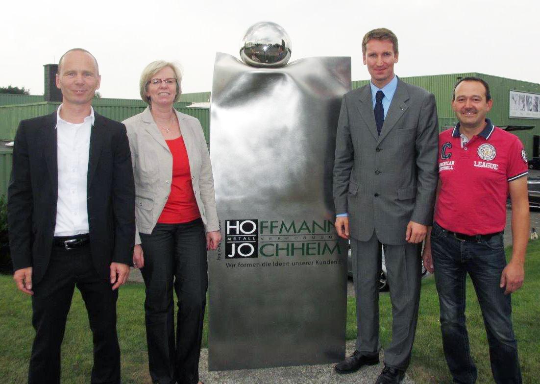 Betriebsbesichtigung der CDU Neheim bei Hoffmann + Jochheim: Michael-Robert Wittershagen, Gisela Schulte, Patrick Sensburg, Klaus Jochheim