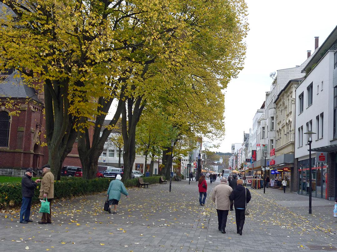 Die Neheimer Hauptstraße zählt als 1A-Einkaufslage. (Foto: Oskar Eichhorst)