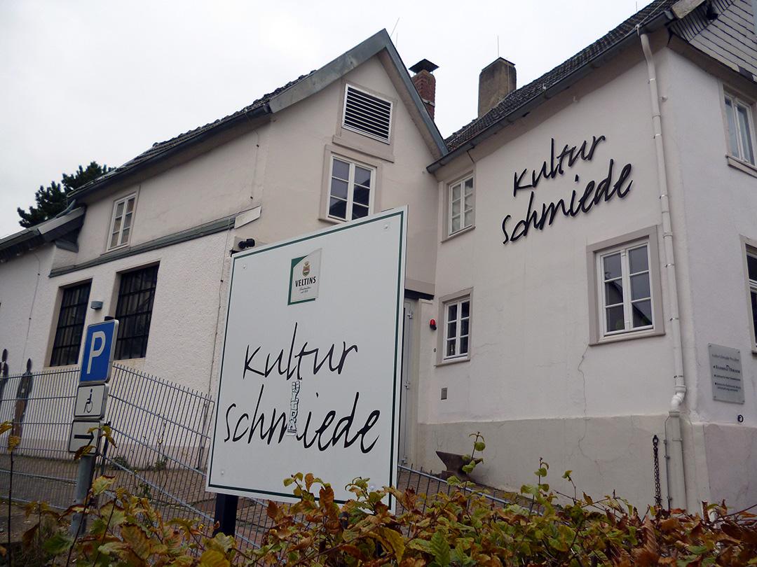 Die KulturSchmiede in der Arnsberger Altstadt erfreut sich seit zehn  Jahren wachsender Beliebtheit als Ort vielfältiger öffentlicher und privater Veranstaltungen. (Foto: oe)
