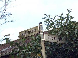 """Nellius-Straße in Hachen: Nellius' Vertonungen von """"Volk und Führer""""-Liedern seien aus unrühmlicher, kritikloser Begeisterung entstanden. (Foto: Blickpunkt Arnsberg-Sundern)"""