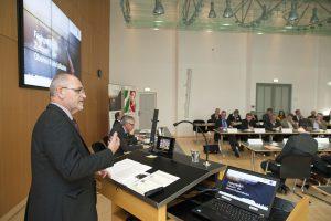 RP Dr. Gerd Bollermann hob beim bahngipfel die enorme Bedeutung der Oberen Ruhrtalbahn für die Region hervor. (Foto: Bezirksregierung Arnsberg)
