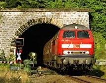 Auf dem Bahngipfel beim RP in Arnsberg sprachen sich alle Akteure gegen nur noch einspurig befahrbare Tunnel in Oeventrop und Freienohl aus .(Foto: Eisenbahnfreunde Obere Ruhrtalbahn)