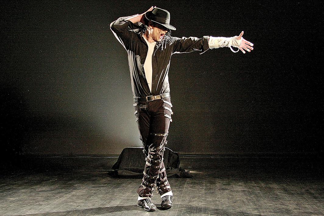 Einer der weltbesten Michael-jackson-Imitatoren kommt mit seiner Show ins Sauerlandtheater. (Foto: Veranstalter