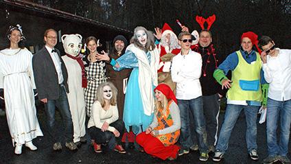 Mit der Polar-Polizei suchten die SGV-Kinder den verschwundenen Weihnachtsmann. (Foto: Klaus Peters)