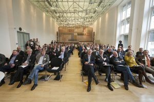 Voll besetzter Sitzungssaal beim 11. Arnsberger Energiedialog. (Foto: Bezirksregierung)