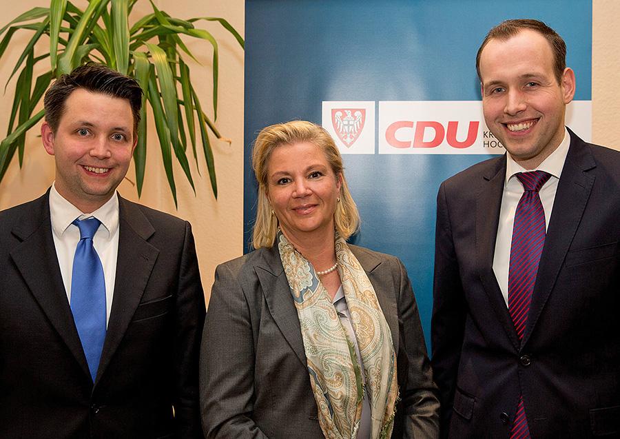 Das neue Spitzen-Trio der CDU Sundern für die Wahl zum Stadtrat: v. r. n. l. Stefan Lange, Sibylle Rohe-Tekath und Sebastian Booke. (Foto: CDU)