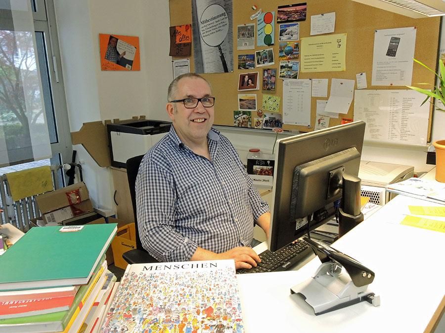 Michael Möseler ist seit 2009 am Berufskolleg am Eichholz als Schulverwaltungsassistent tätig. (Foto: BKAE)