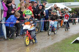 Unter widrigen Umständen fanden die Nachwuchsrennen am Megasports-familiensonntag statt. (Foto: Megasports)