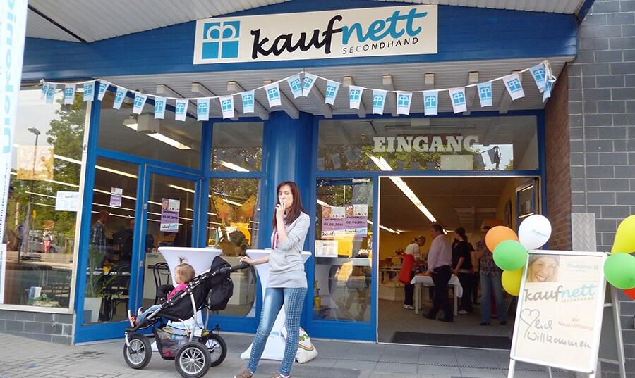 Das Kaufnett-Secondhandkaufhaus hat nach dem Umzug an die Ruhrstraße neu eröffnet. (Foto. oe)