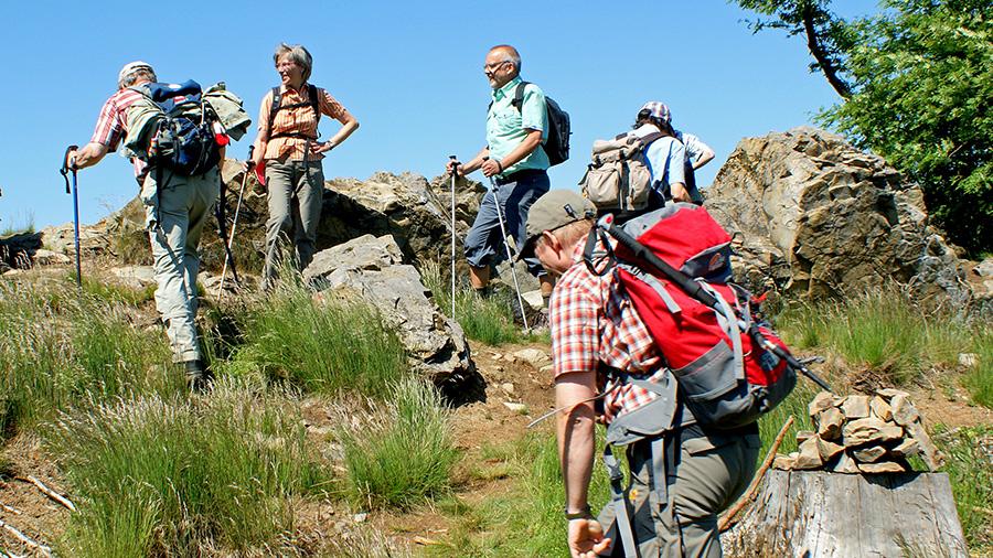 Unterwegs auf dem fast alpinen Wittgensteiner Schieferpfad. (Foto: Klaus Peters/SGV)