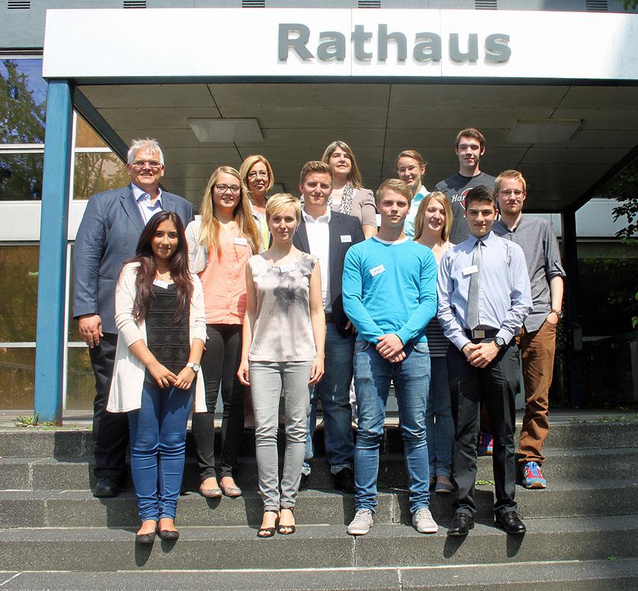 Die neuen Auszubildenden der Stadtverwaltung wurden zu einem Einführungstag im Rathaus begrüßt. (Foto. Stadt Arnsberg)