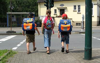 Schulwegs zu Fuß Gehen
