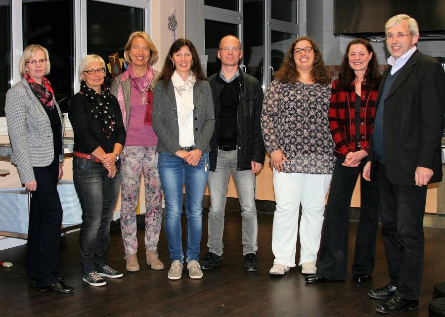 Intensive Einblicke erhielten die Mitglieder des CDU-Ortsverbandes Neheim bei dem Besuch der Agnes-Wenke-Schule. (Foto: CDU)