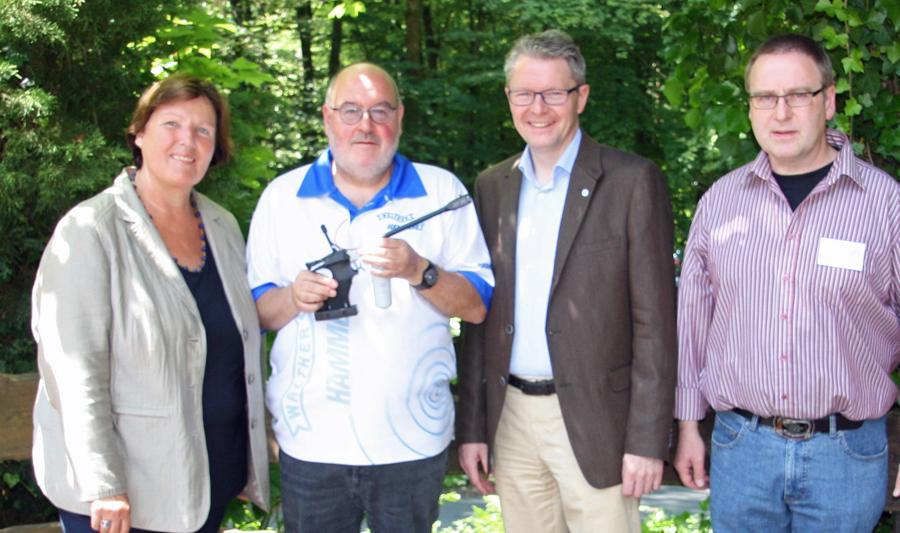 Jubiläum im Schießsportzentrum: v.l.n.r.: Rosemarie Goldner, Ulrich Eichstädt, Peter Erb und Detlef Gregori. (Foto: Bürgerschützen)