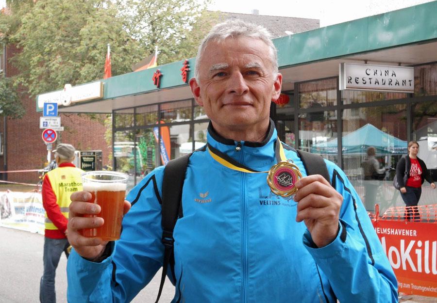 Klaus Hartlich nach dem Gorch-Fock-Marathon in Wilhelmshaven. (Foto: privat)