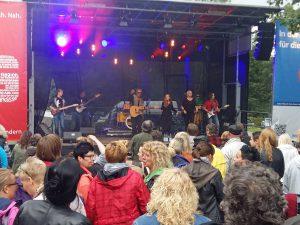 """Volles Haus und prima Stimmung bei """"Donnerstags Live"""" - hier beim Auftritt von Andrew Murphy in der Vorwoche. (Foto: oe)"""