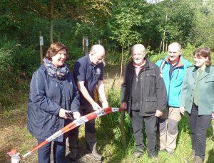 Zum Jubiläum eröffnete der SGV Neheim den Weg der Jahresbäume. (Foto: oe)