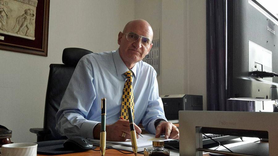 Sunderns neuer Bürgermeister Ralph Brodel hat seine Arbeit im Rathaus aufgenommen. (Foto: Klaus Plümper)