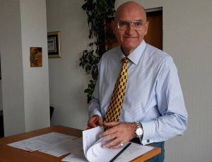 Bürgermeister Ralph Brodel an seinem ersten Arbeitstag im neuen Amt. (Foto: Klaus Plümper)