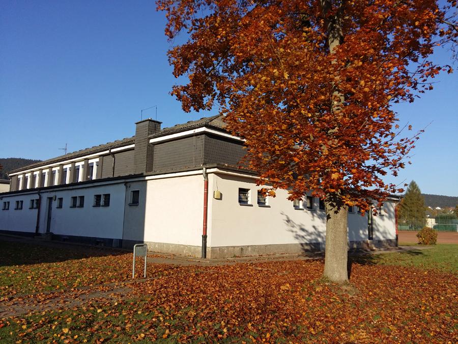 Die alte Turnhalle in Oeventrop wird möglicherweise bereits in der kommenden Woche als Notunterkunft für Flüchtlinge genutzt, da alle anderen Unterkünfte belegt sind. (Foto: oe)