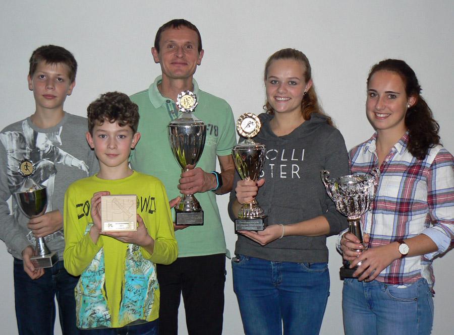 Die neuen Vereinsmeister des SC Hagen-Wildewiese  bei der Siegerehrung. (Foto: SC)