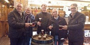 Testen die warmen und kalten Getränke: Hanno Krick, Conny Buchheister, Sebastian Staat, Martin Kaiser und Herbert Scheidt. (Foto: oe)