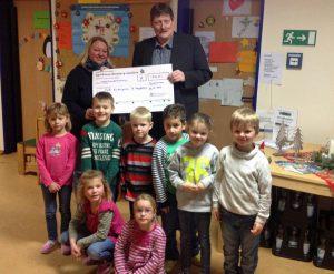 Spendenübergabe im Kath. Kindergarten Bruchhausen. (Foto: CDU)