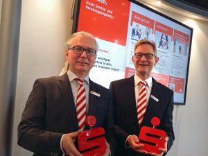 Die Sparkassenvorstände Norbert Runde (rechts) und Ernst-Michael Sittig. (Foto: oe)