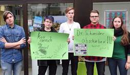 Die Grüne Jugend protestiert gegen die Abschiebung eines jungen Bestwigers. (Foto: Grüne Jugend)