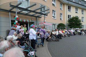 """10 Jahre Am Bremers Park wurden mit einem zünftigen Fest gefeiert (Foto: Gesundheits- und Seniorenzentrum """"Am Bremers Park"""")"""