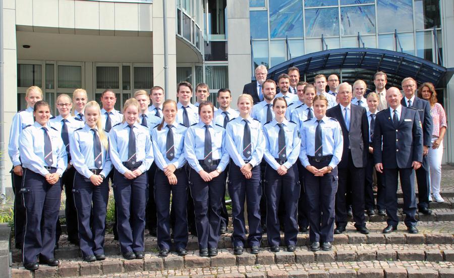 26 neue Polizistinnen und Polizisten traten ihren Dienst im HSK an. (Foto: Polizei)