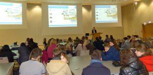 Präsentation in der Fachhochschule. (Foto: Sandra Schmitt, WFG)