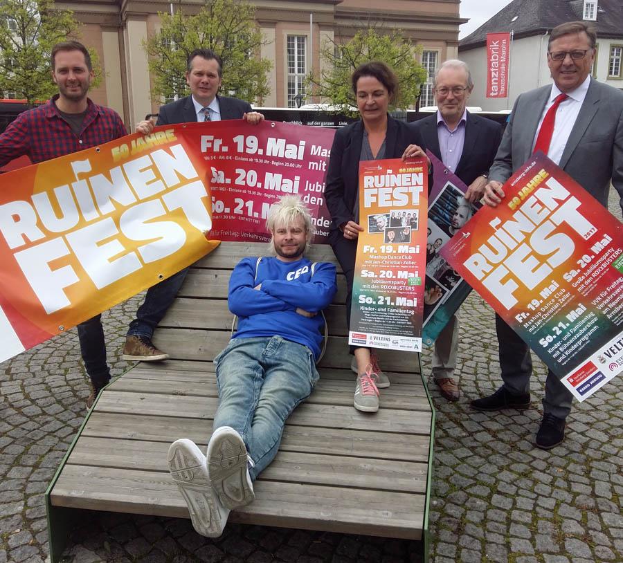 """Ruinenfest wird 50 – freier Eintritt mit den """"Roxxbusters"""""""